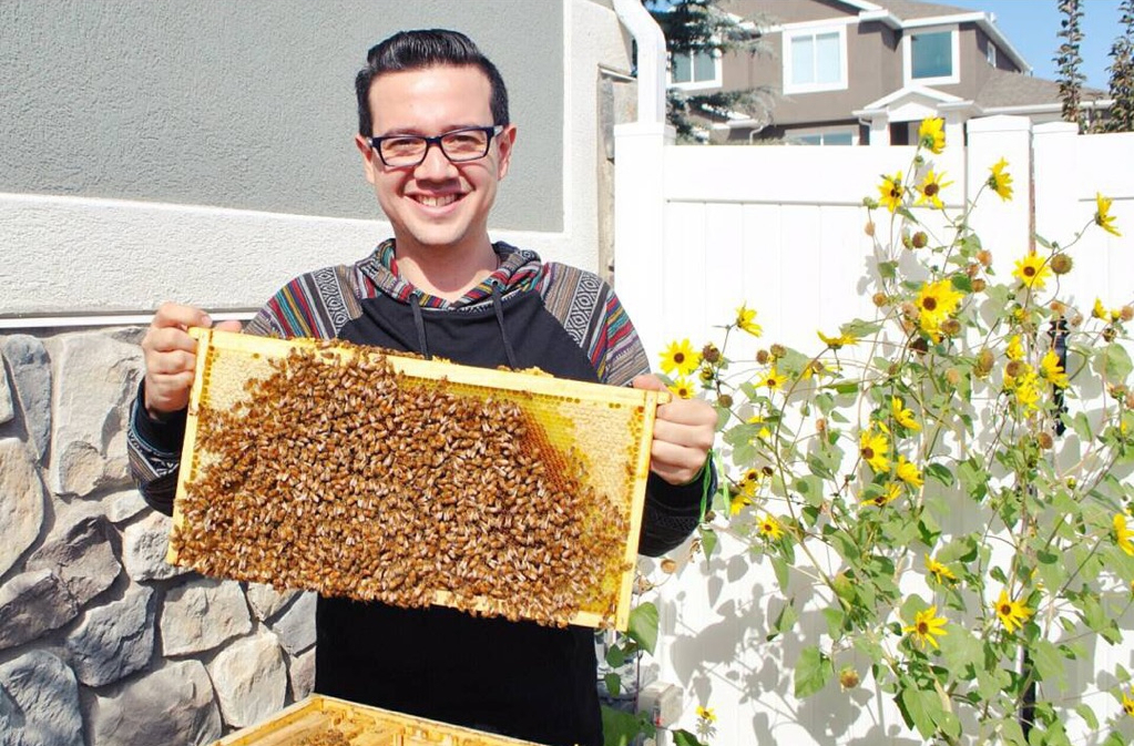 YLAI 2017 Ricardo with bees Utah Council for Citizen Diplomacy